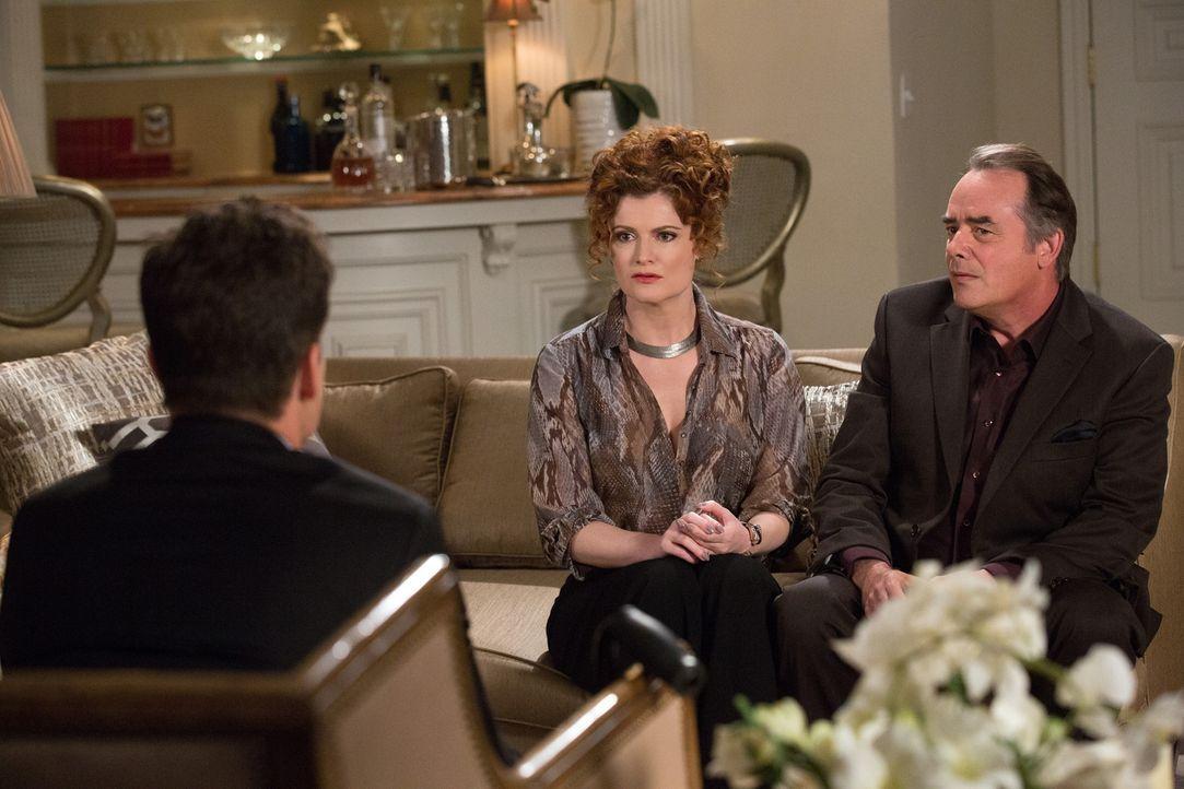 Die Erkenntnis über ein altes Unglück trifft Evelyn (Rebecca Wisocky, l.) und Adrian (Tom Irwin, r.) vollkommen unvorbereitet ... - Bildquelle: 2014 ABC Studios