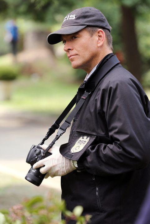Für DiNozzo (Michael Weatherly) ist noch unklar, warum ein hoher Marineoffizier sterben musste. Wusste er zu viel über gewisse Regierungsgeheimnisse... - Bildquelle: Michael Yarish 2014 CBS Broadcasting, Inc. All Rights Reserved