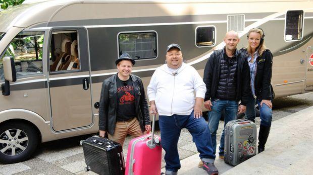 Schillerstraße on Tour in Österreich: Martin Klempnow (l.), Dirk Bach (2.v.l....