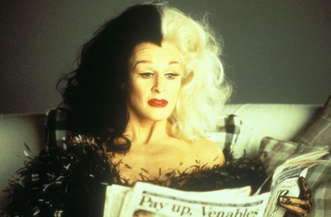 Geht über Hundeleichen: Mode-Designerin Cruella DeVil (Glenn Close) ... - Bildquelle: Buena Vista Pictures