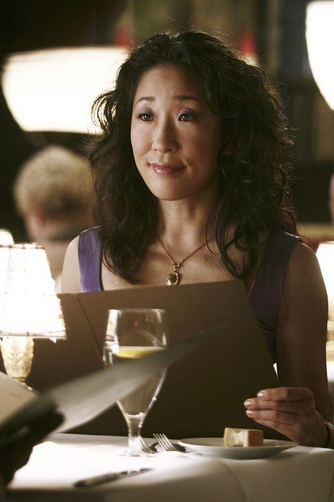 Freut sich über ihr Date mit Burke: Cristina (Sandra Oh) ... - Bildquelle: Touchstone Television