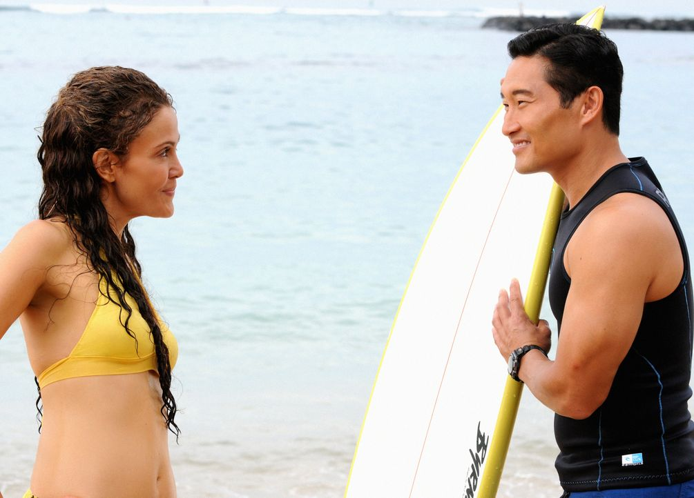 Chin (Daniel Dae Kim, r.) muss sich mit seiner Vergangenheit und seiner damaligen Beziehung zu Malia (Reiko Aylesworth, l.) auseinandersetzen ... - Bildquelle: 2013 CBS BROADCASTING INC. All Rights Reserved.