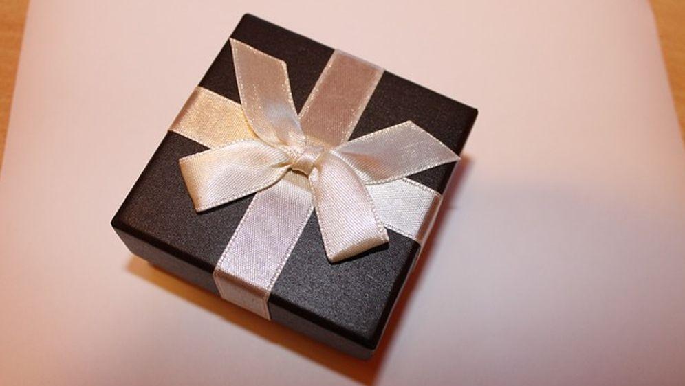 Weihnachtsgeschenke für Partnerin - SAT.1 Ratgeber