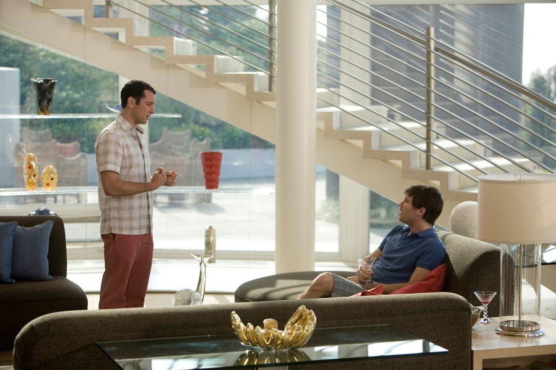 Kostenloser Wochenendurlaub: Ursprünglich war das Angebot nur für Kevin (Matthew Rhys, l.) und Scotty (Luke Macfarlane, r.) gedacht ... - Bildquelle: 2008 ABC INC.