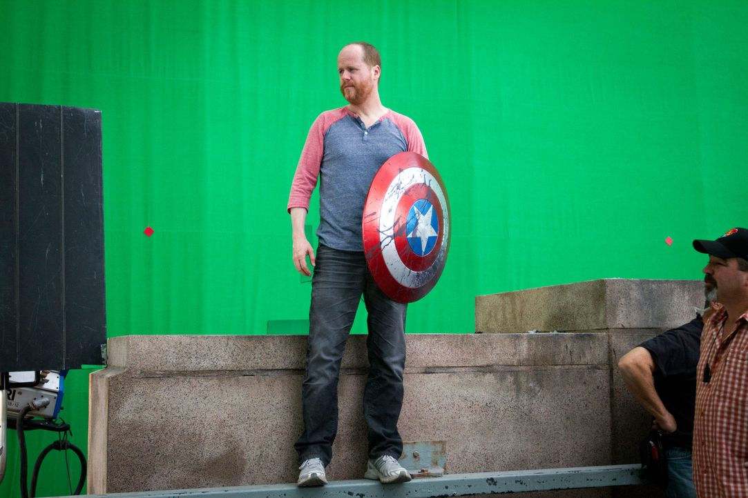 the-avengers-set-014-2011-mvlffllc-tm-2011-marveljpg 2000 x 1333 - Bildquelle: 2011 MVLFFLLC TM & 2011 Marvel