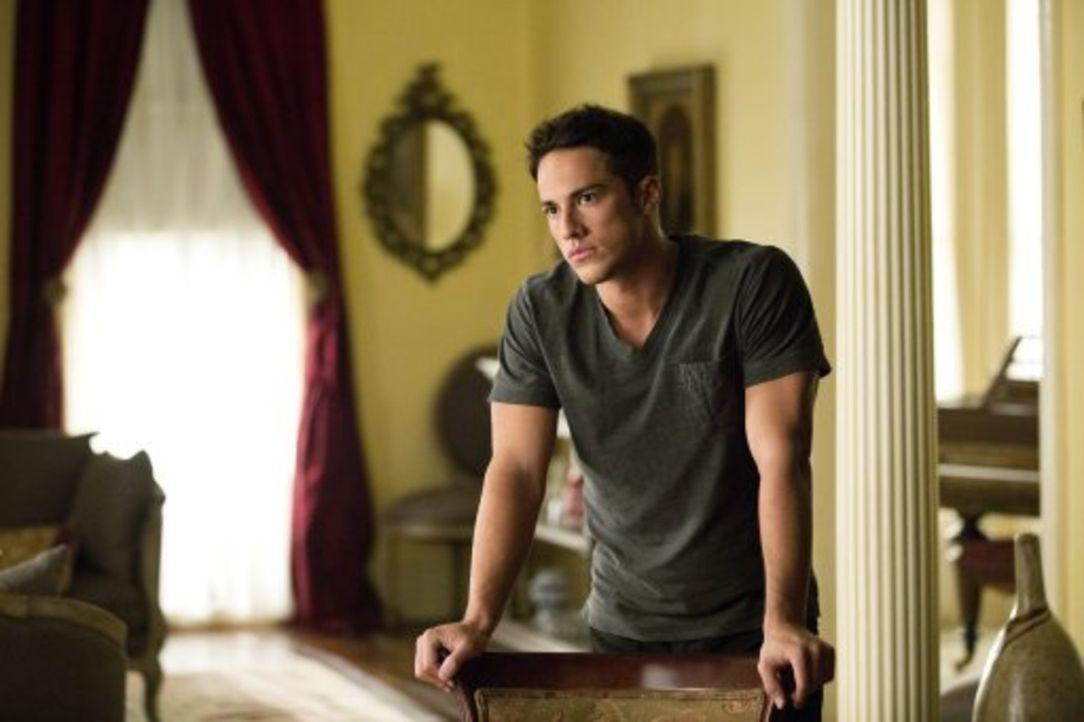 Auch, wenn er keine Bindung mehr zu Klaus hat, hat dieser Tyler (Michael Trevino) immer noch in der Hand ... - Bildquelle: Warner Brothers