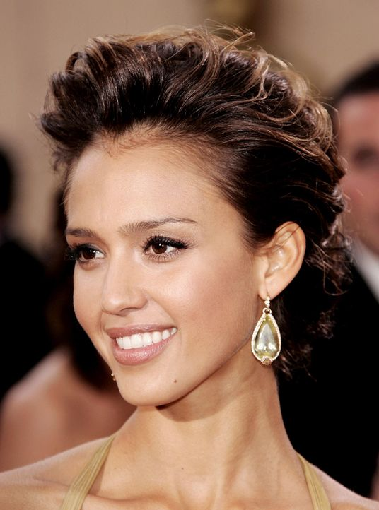 jessica-alba-06-03-05-getty-AFP 1336 x 1800 - Bildquelle: getty-AFP