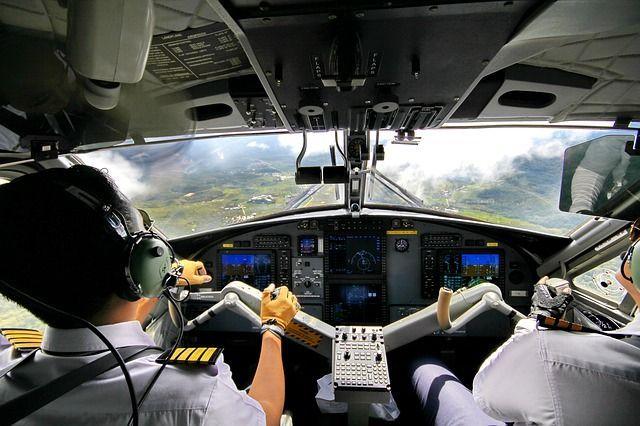 Pilot/in: zwischen 8000 und 15000€ brutto/Monat