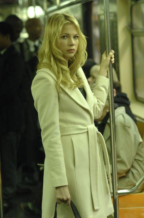 In der Bahn trifft Jonathan McQuarry zum ersten Mal die attraktive Frau (Michelle Williams), nichts ahnend, dass dies nicht ihre letzte Begegnung ge... - Bildquelle: 2007 The Tourist Pictures, LLC. All Rights reserved.