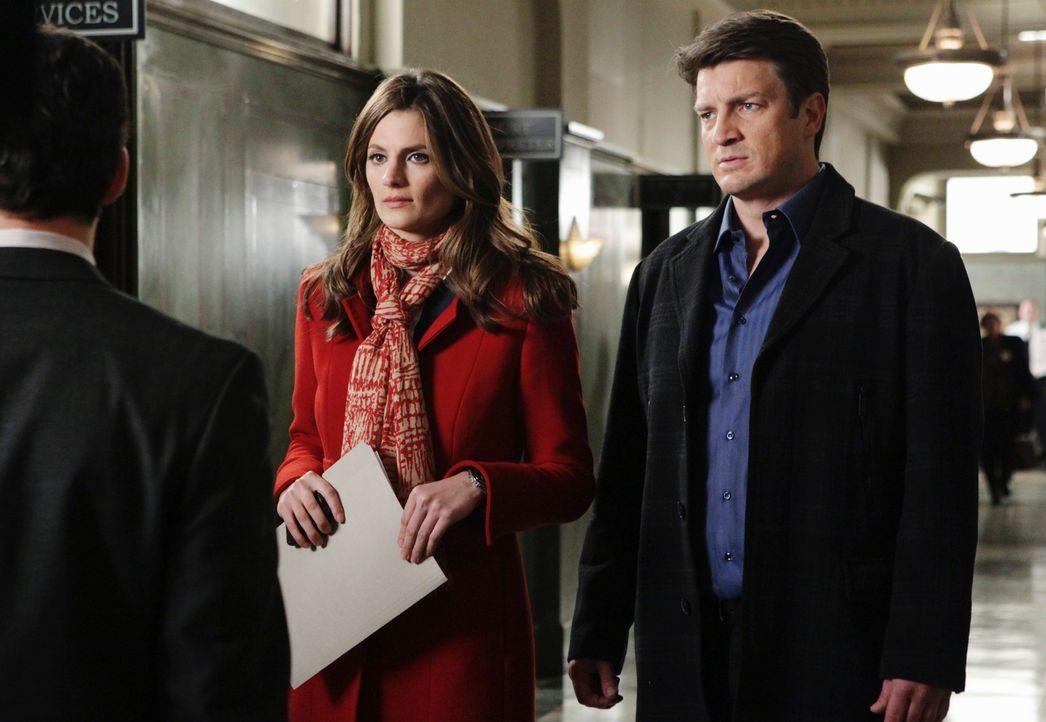 Lassen sich nicht davon abhalten, weiter an dem Fall zu arbeiten: Richard Castle (Nathan Fillion, r.) und Kate Beckett (Stana Katic, M.) - Bildquelle: ABC Studios