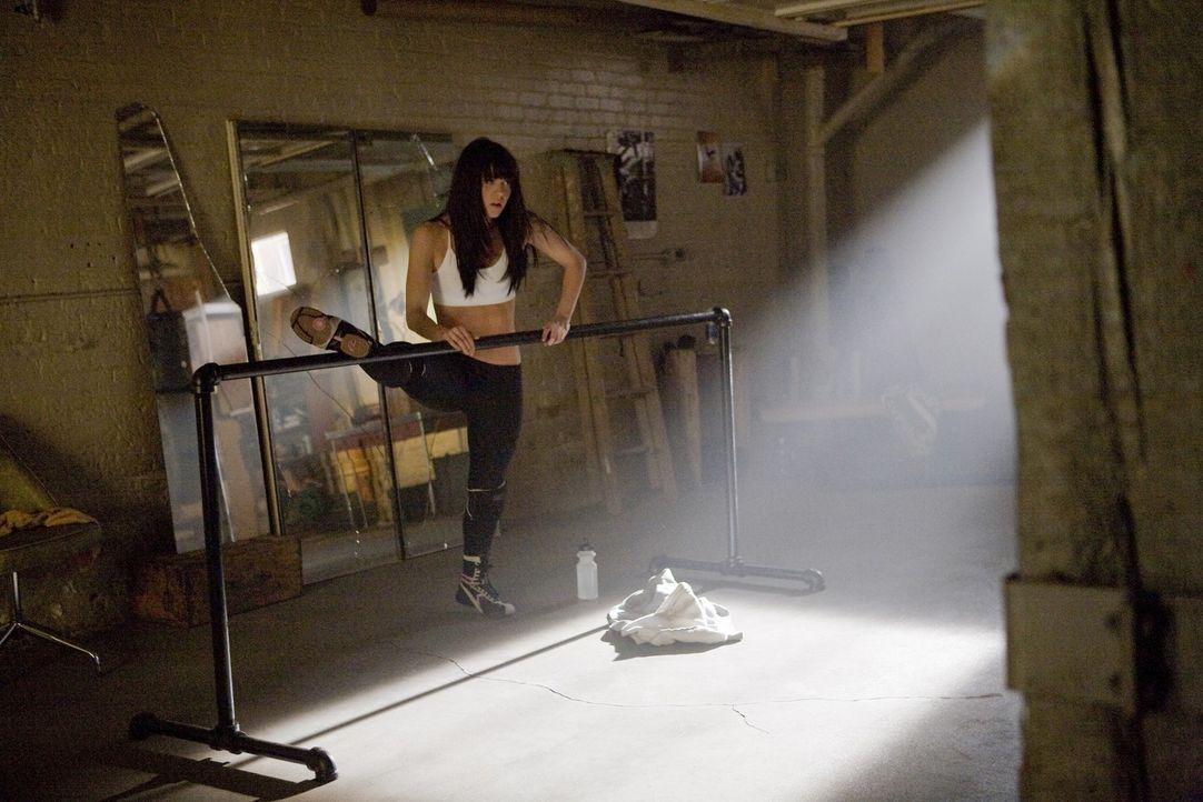 Schon von Kindesbeinen an übt Lauryn Kirk (Mary Elizabeth Winstead), um ihren Traum Tänzerin zu werden eines Tages wahr werden zu lassen ... - Bildquelle: Rebecca Sandulak Kinowelt GmbH