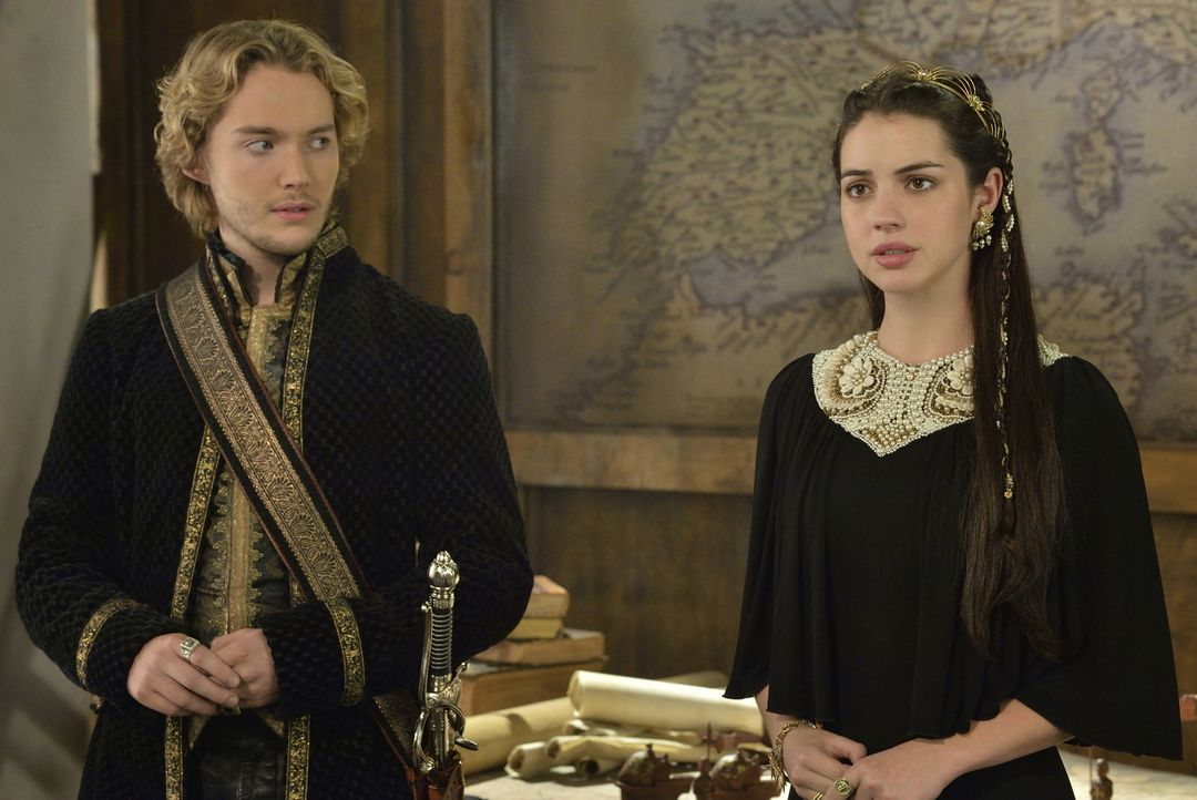 Da Narcisse sein Geheimnis kennt, muss sich Francis (Toby Regbo, l) gegen Marys (Adelaide Kane, r.) Willen auf die Seite des intriganten Lords schla... - Bildquelle: Ben Mark Holzberg 2014 The CW Network, LLC. All rights reserved.