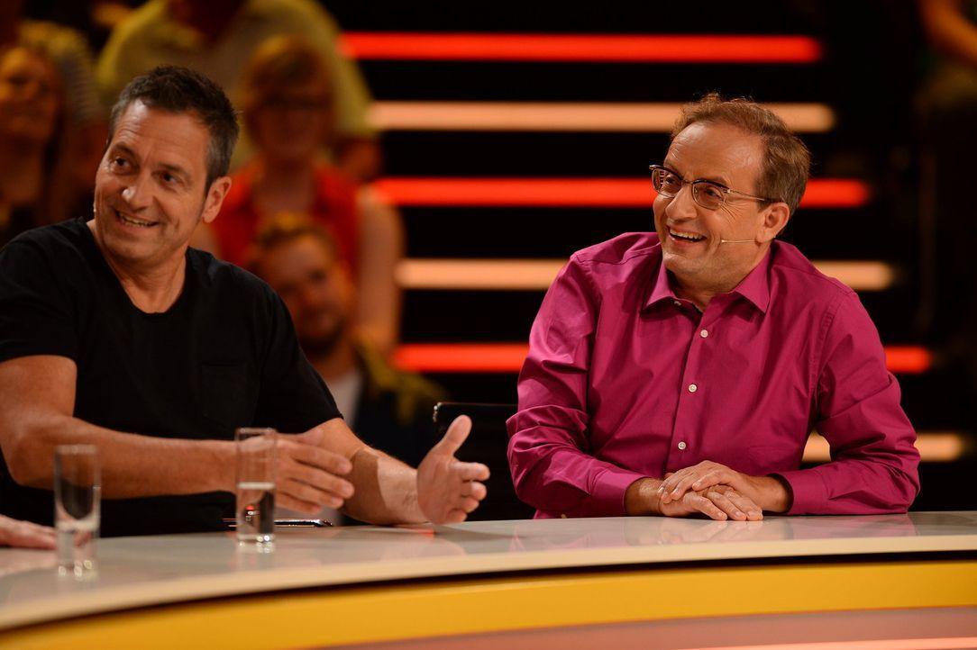 """Haben bei """"Genial daneben"""" gut lachen: Dietrer Nuhr (l.) und Wigald Boning (r,) - Bildquelle: Willi Weber SAT.1"""