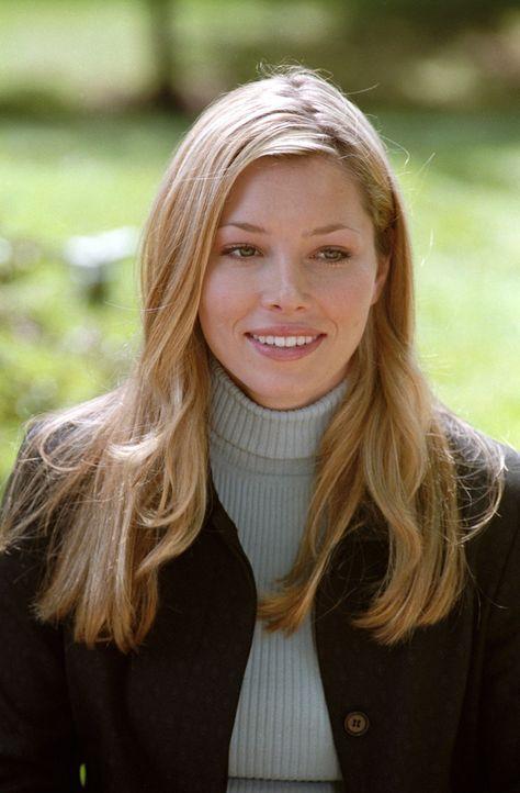 Mary (Jessica Biel) muss sich auf Anraten ihres Großvaters endlich um eine berufliche Perspektive bemühen ... - Bildquelle: The WB Television Network