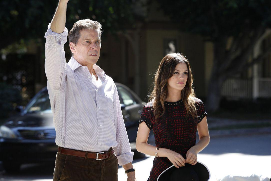 Der Krieg zwischen Brick (Tim Matheson, l.) und Zoe (Rachel Bilson, r.) beginnt  jetzt erst richtig ... - Bildquelle: Warner Bros.