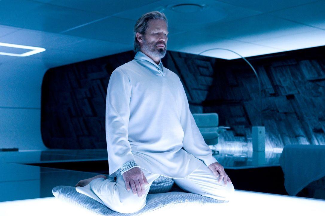Kann der Programmierer Kevin Flynn (Jeff Bridges) jemals in die reale Welt zurückkehren? - Bildquelle: Disney Enterprises, Inc.  All rights reserved