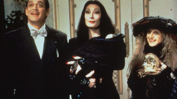 Als sich Nachwuchs einstellt, beschließt die skurrile Familie Addams, ein Kin...