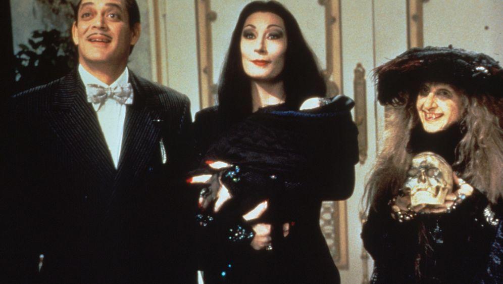 Die Addams Family in verrückter Tradition - Bildquelle: Paramount Pictures