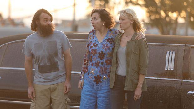Entsteht zwischen Phil (Will Forte, l.), Carol (Kristen Schaal, M.) und Melis...
