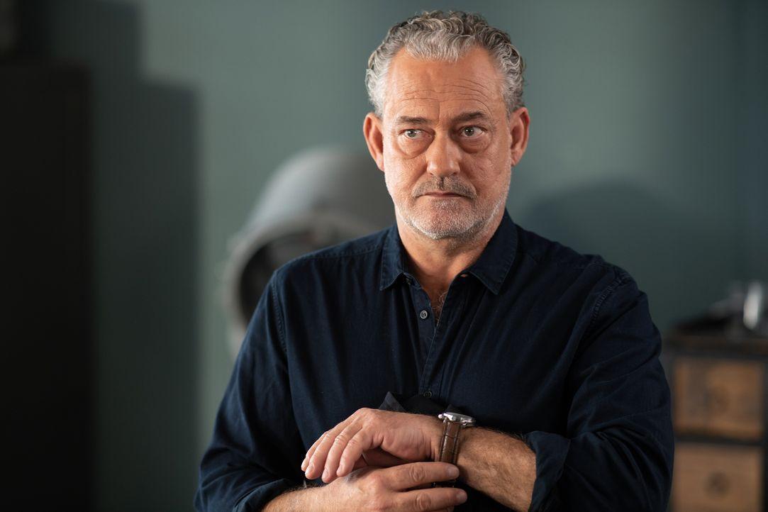 Stefan Tremmel (Rolf Kanies) - Bildquelle: Wolfgang Ennenbach SAT.1/Wolfgang Ennenbach