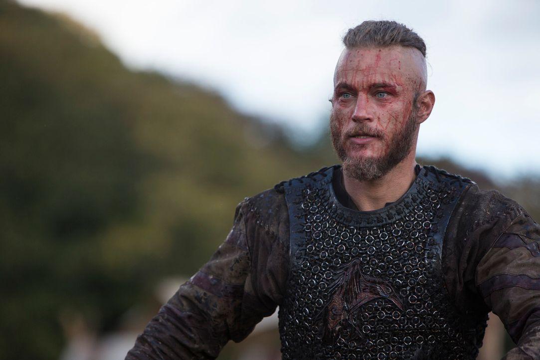 Macht ganz schnell König Aelle klar, dass weder sein Gott, noch sein Betrug den Tod des Bruders verhindern können: Ragnar (Travis Fimmel) ... - Bildquelle: 2013 TM TELEVISION PRODUCTIONS LIMITED/T5 VIKINGS PRODUCTIONS INC. ALL RIGHTS RESERVED.