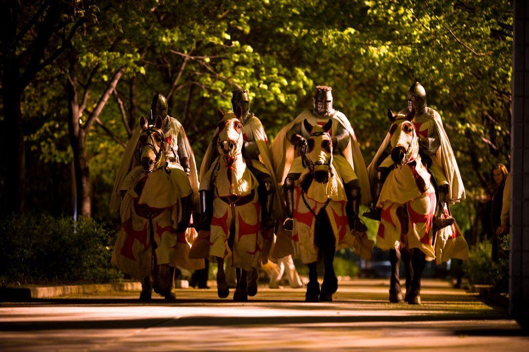 New York, Metropolitan Museum: Während der Eröffnungsfeier einer Ausstellung über kostbare Vatikanschätze dringen vier als Tempelritter maskierte Re... - Bildquelle: 2008 Templar Productions (Muse) Inc. All Rights Reserved