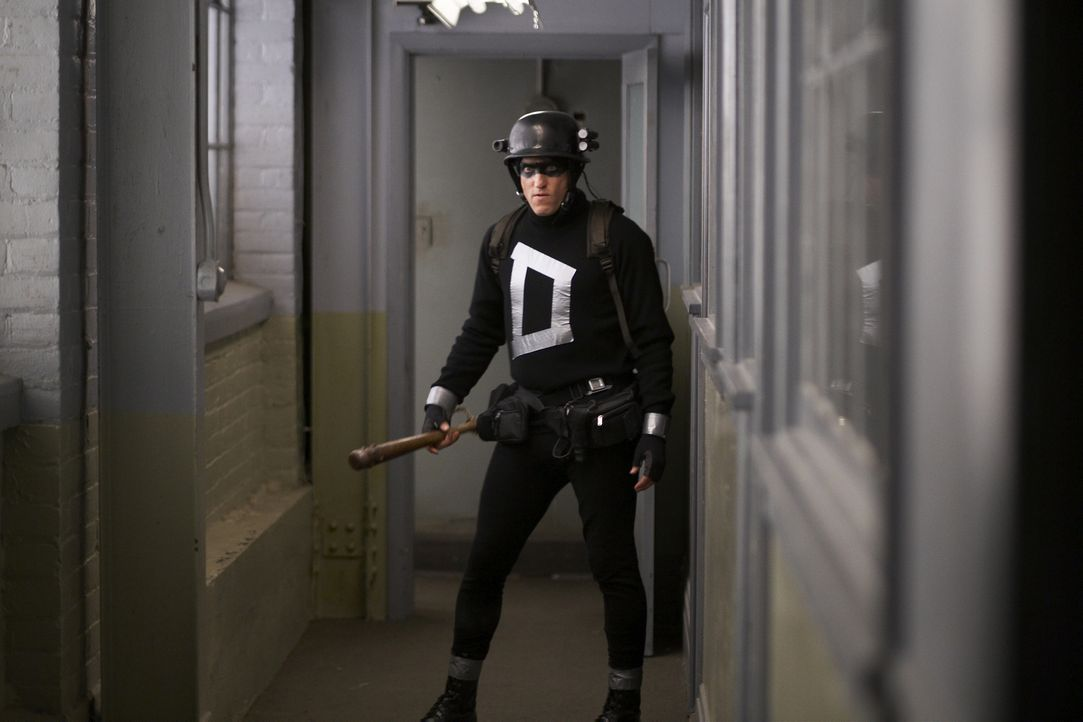 Der selbsternannte Superheld Arthur Poppington (Woody Harrelson), der nicht über irgendwelche Superkräfte verfügt, hat mit normalen Waffen so gar ni... - Bildquelle: 2009 Darius Films Inc. All Rights Reserved.
