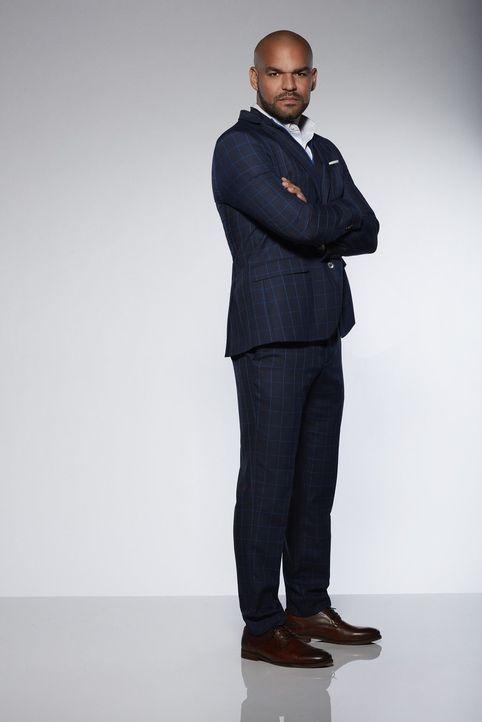 (1. Staffel) - Nachdem Cameron Black in die Ermittlungen miteinbezogen wird, ist FBI-Agent Mike Alvarez (Amaury Nolasco) als heimlicher Fan des Magi... - Bildquelle: Warner Bros.