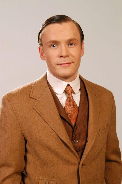 Julius Gravenhorst (Matthias Ziesing) - Bildquelle: Aki Pfeiffer Sat.1