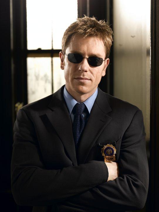 (1. Staffel) - Der blinde Detective Jim Dunbar (Ron Eldard) sieht oft mehr, als seine Kollegen ? - Bildquelle: TM &   2006 CBS Studios Inc. All Rights Reserved.
