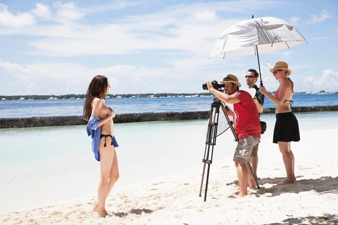 GNTM-Stf10-Epi14-Making-Ofs-Malediven-09-Ajsa-Boris-Breuer-TEASER - Bildquelle: Boris Breuer
