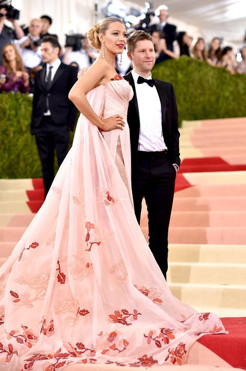 MET-Gala-Blake-Lively-05-getty-AFP - Bildquelle: Dimitrios Kambouris/Getty Images/AFP