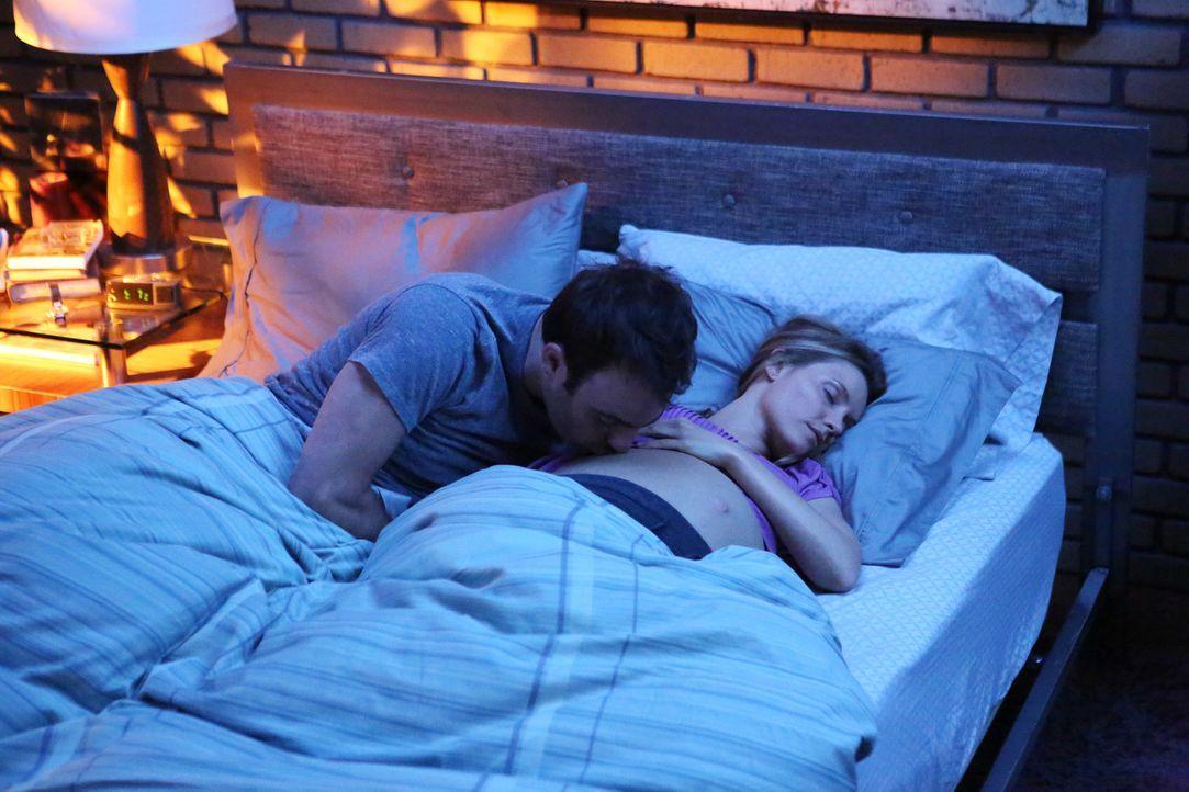 Ahnen noch nicht, was auf sie zukommen wird: Cooper (Paul Adelstein, l.) und Charlotte (KaDee Strickland, r.) ... - Bildquelle: ABC Studios
