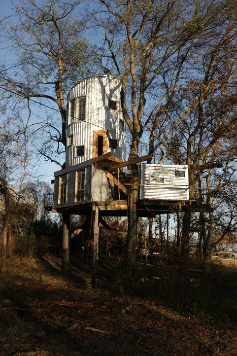 Jenny und Abbott träumen von einem Baumhaus, das sie auch zu Zeiten der Überschwemmung am Rande des Mississippis bewohnen können. Eine neue Herausfo... - Bildquelle: 2016, DIY Network/Scripps Networks, LLC. All Rights Reserved.