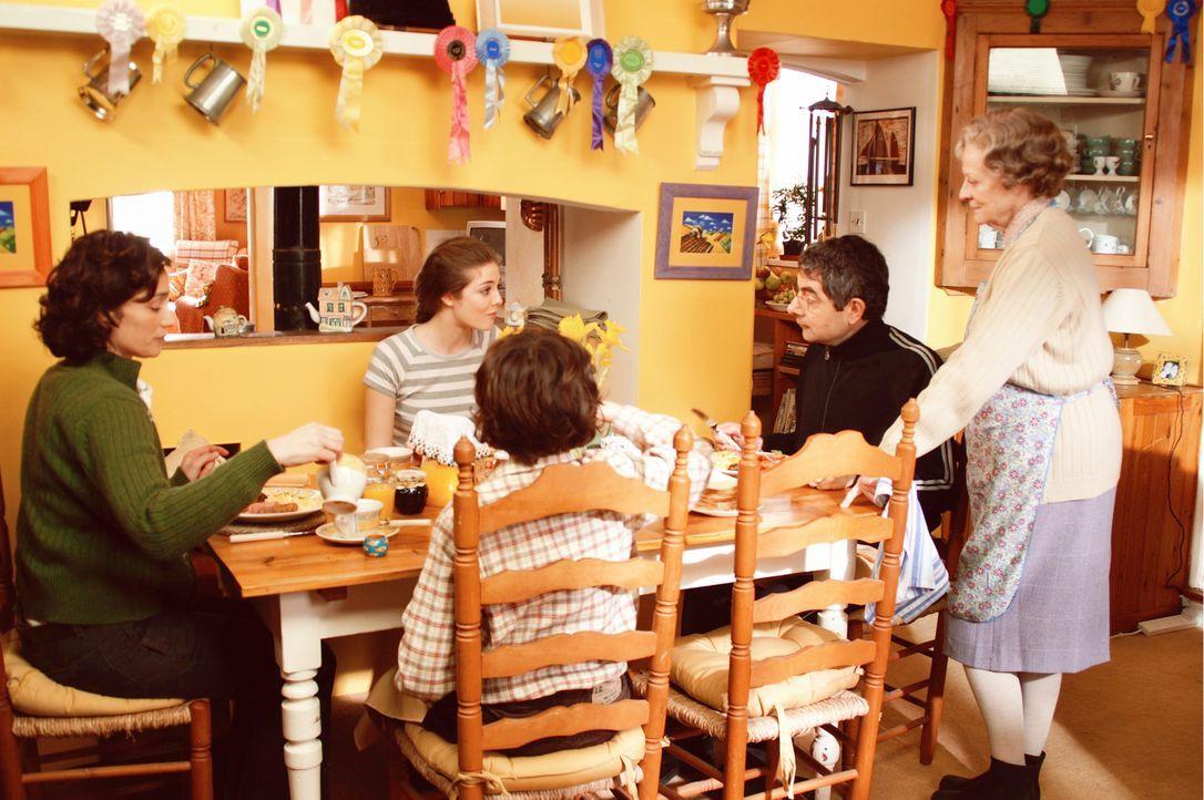 Vor den Nachbarn und der Gemeinde versucht Familie Goodfellow alle Probleme totzuschweigen, doch langsam bröckelt der Putz von der perfekten Fassade... - Bildquelle: Constantin Film
