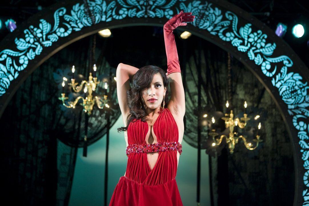 Wird sie Lauryn Steine in den Weg werfen, damit sie ihrem Traum als Tänzerin nicht verwirklichen kann? Carmen (Julissa Bermudez) ... - Bildquelle: Rebecca Sandulak Kinowelt GmbH