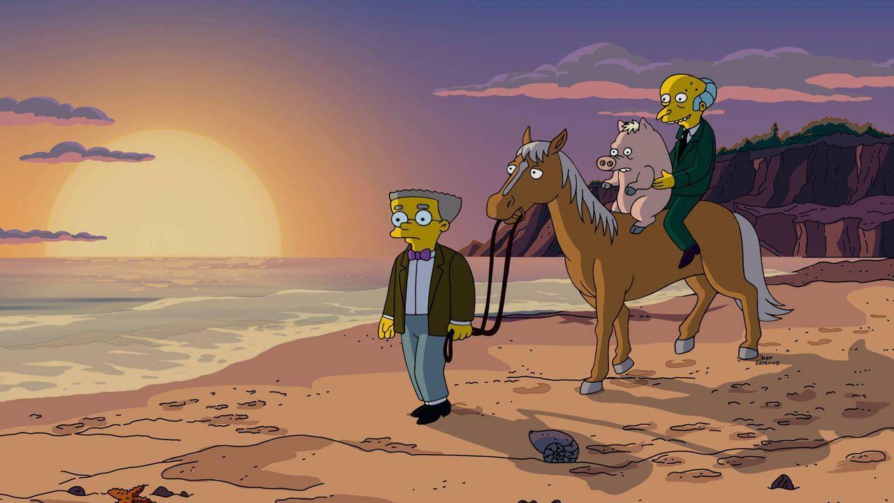 Wird das Familienschwein der Simpsons wirklich mit Mr. Burns (r.) in den Sonnenuntergang reiten und sich von Homer und seinem Zuhause verabschieden... - Bildquelle: 2016-2017 Fox and its related entities. All rights reserved.