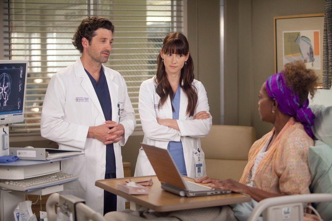 Eine alte Patientin, Justine Campbell (Alfre Woodard, r.), eine Buchautorin, wird mit einem blutenden Aneurysma eingeliefert. Es droht zu platzen, e... - Bildquelle: ABC Studios