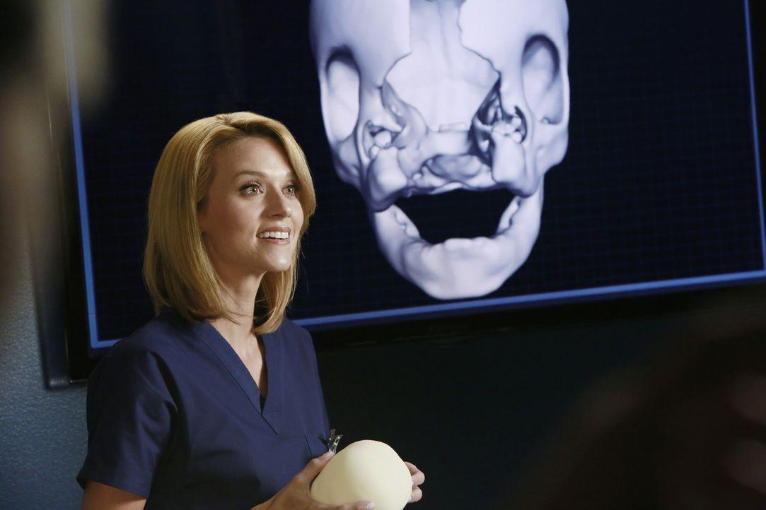 Die Gesichtsschädelspezialistin Lauren Boswell (Hilarie Burton) versucht die Missbildung bei einem Baby operativ zu behandeln ... - Bildquelle: ABC Studios