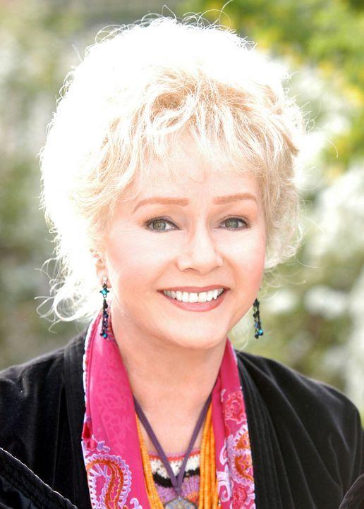 Gerät ins Visier des bösen Ritters des eisernen Dolches: Aggie (Debbie Reynolds) ... - Bildquelle: The Disney Channel