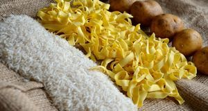 Kalorienarmes Essen funktioniert auch mit Reis und Kartoffel wunderbar. Nudel...
