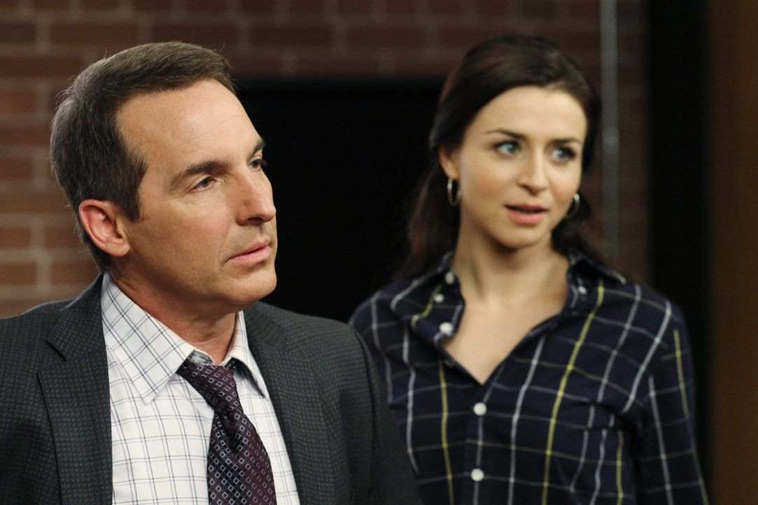 Haben einen anstrengenden Tag vor sich: Amelia (Caterina Scorsone, r.) und Sheldon (Brian Benben, l.) ... - Bildquelle: ABC Studios