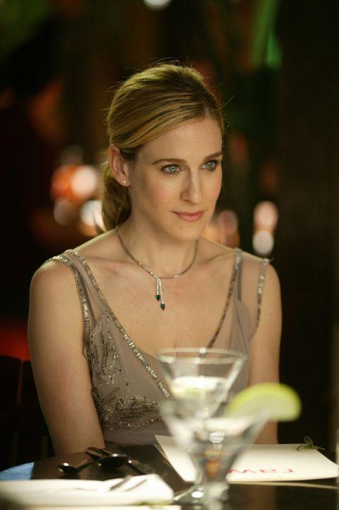 Weil die erste gemeinsame Nacht nicht erfolgreich verlaufen ist, versucht Carrie (Sarah Jessica Parker), dem Sexualleben auf die Sprünge zu helfen... - Bildquelle: Paramount Pictures
