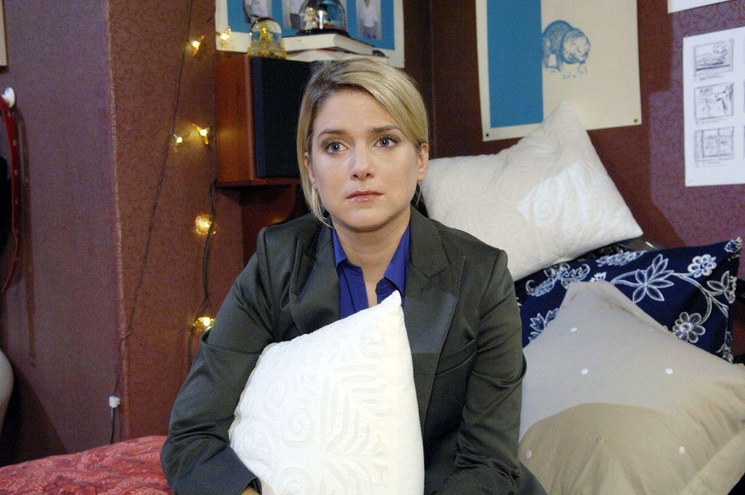 Anna (Jeanette Biedermann) beschließt, den Rat ihrer Mutter zu befolgen und sich wieder auf ihre eigentlichen Ziele zu besinnen. - Bildquelle: Claudius Pflug Sat.1