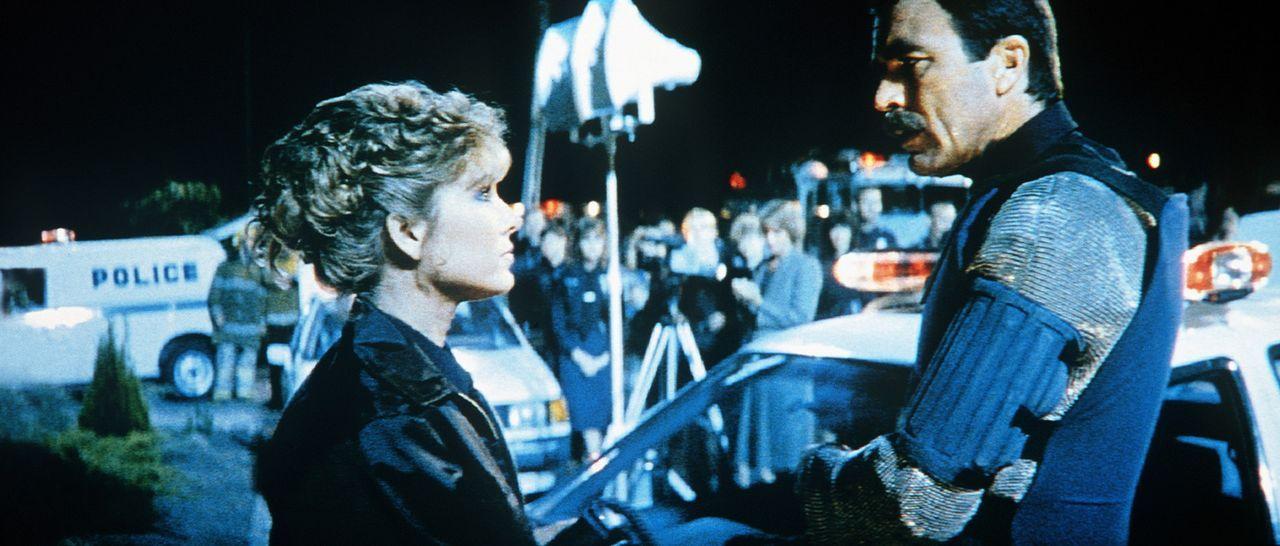 Ramsay (Tom Selleck, r.) und seine attraktive Partnerin Thompson (Cynthia Rhodes, l.) harmonieren nicht nur dienstlich ... - Bildquelle: TriStar Pictures