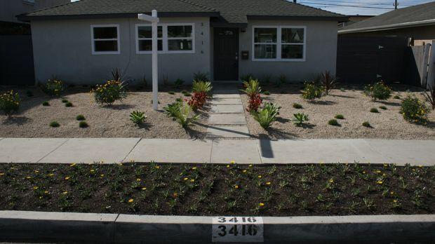 Tarek und Christina werden auf ein Haus in Torrance, Kalifornien aufmerksam,...
