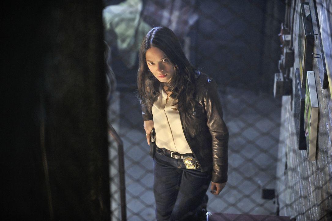 Catherine Chandler (Kristin Kreuk) ist Polizeibeamtin des Morddezernats in New York City, die immer noch unter dem Mord an ihrer Mutter vor neun Jah... - Bildquelle: 2012 The CW Network, LLC. All rights reserved.