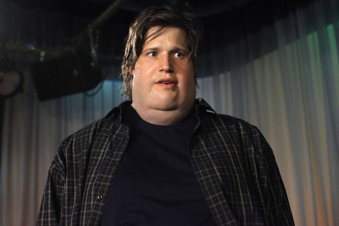 Über Nacht legt er 80 Kilo zu: Fitnessguru Nick (Sebastian Ströbel) ... - Bildquelle: Petro Domenigg SAT.1
