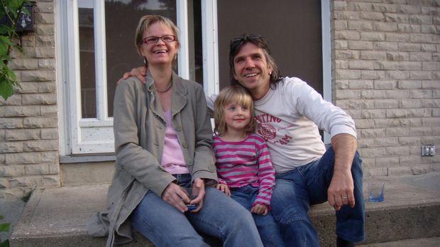 Walter Beseler (49) und Ellen Kruck (38) aus Berlin wandern mit ihren Kindern...