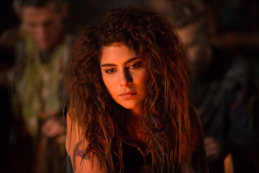 Luna (Nadia Hilker) will ihr Leben in Frieden nicht aufgeben, um in einen Krieg zu ziehen, der Unmengen an Menschen das Leben kosten wird. Kann und... - Bildquelle: 2014 Warner Brothers
